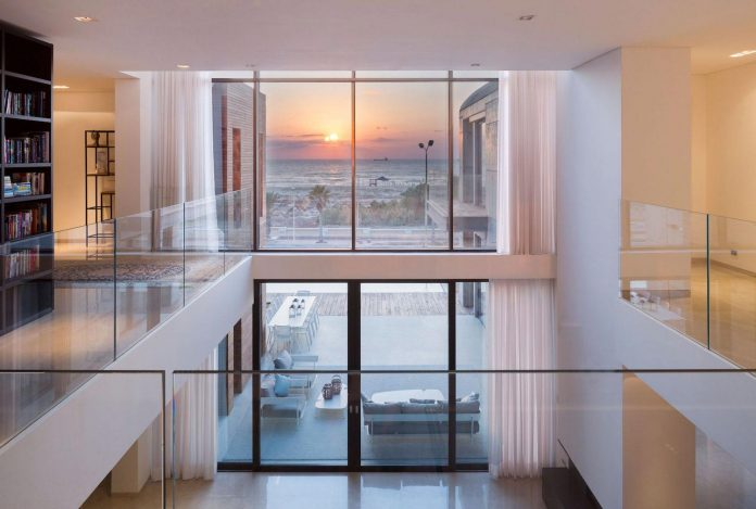 contemporary-house-overlooks-mediterranean-sea-situated-steps-away-beach-19