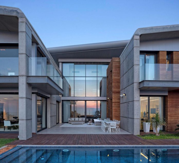 contemporary-house-overlooks-mediterranean-sea-situated-steps-away-beach-22