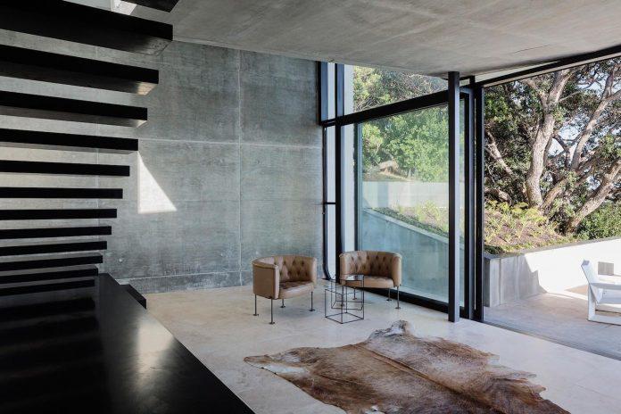 contemporary-house-rocky-cove-waiheke-island-aucklands-hauraki-gulf-07