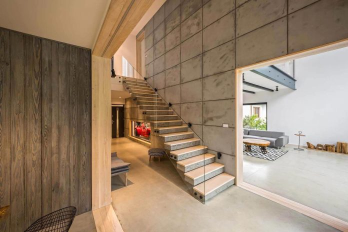 contemporary-interpretation-traditional-style-home-borowiec-poland-04