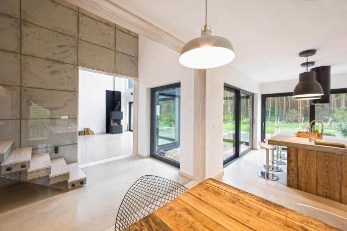 contemporary-interpretation-traditional-style-home-borowiec-poland-05