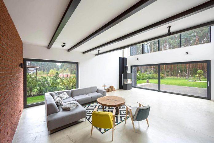 contemporary-interpretation-traditional-style-home-borowiec-poland-11