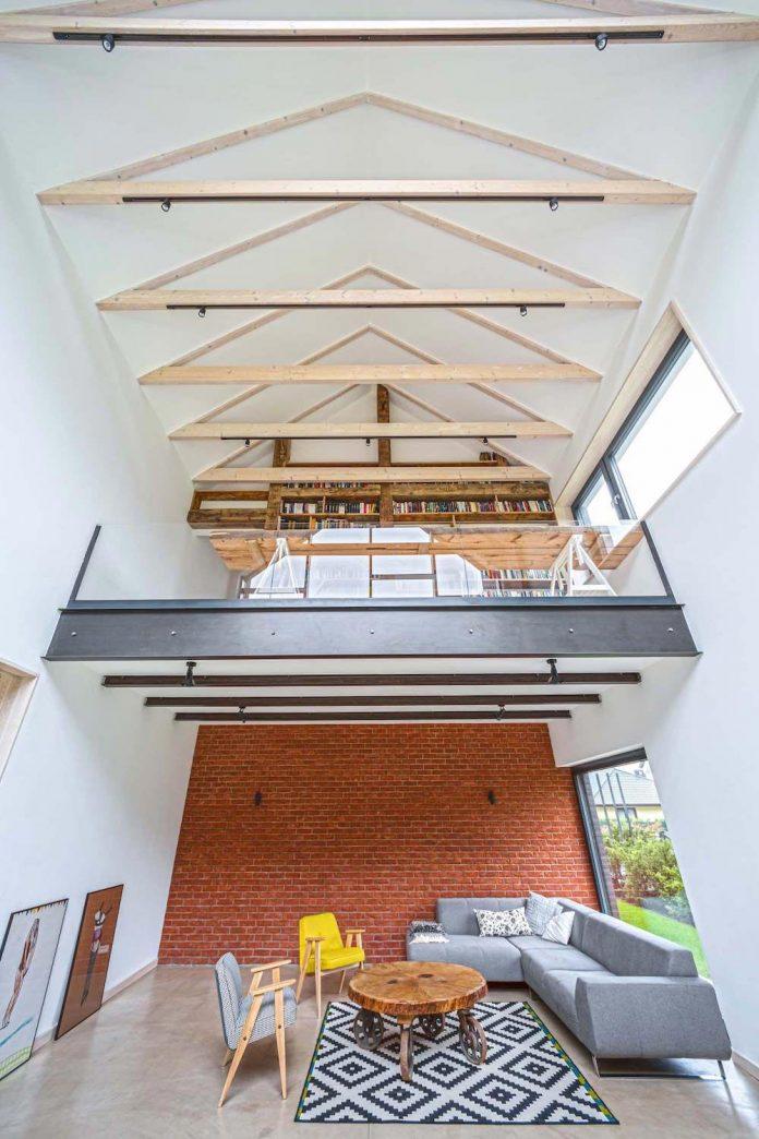 contemporary-interpretation-traditional-style-home-borowiec-poland-12