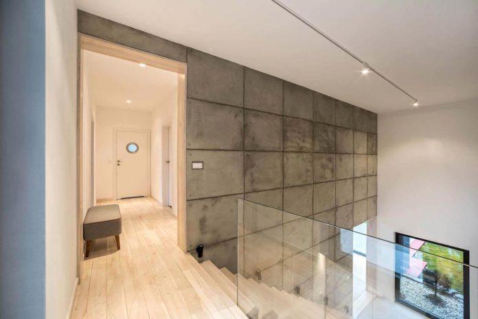 contemporary-interpretation-traditional-style-home-borowiec-poland-14