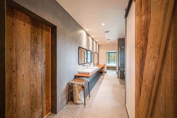contemporary-interpretation-traditional-style-home-borowiec-poland-21