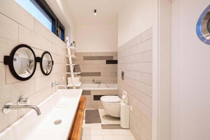 contemporary-interpretation-traditional-style-home-borowiec-poland-25