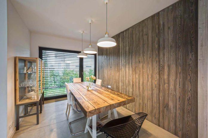 contemporary-interpretation-traditional-style-home-borowiec-poland-27