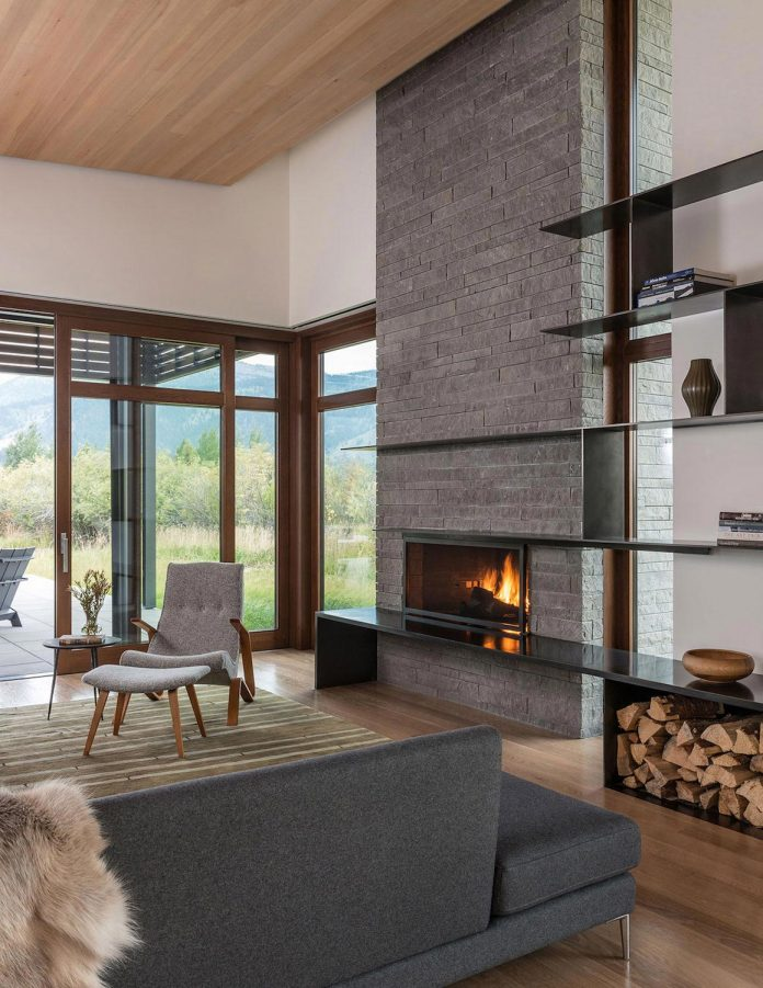 contemporary-mountain-house-set-flat-open-grassy-site-jackson-hole-wyoming-11