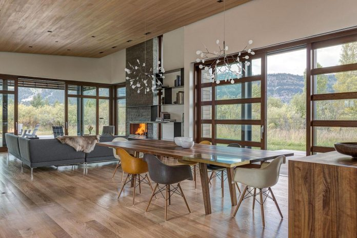contemporary-mountain-house-set-flat-open-grassy-site-jackson-hole-wyoming-15
