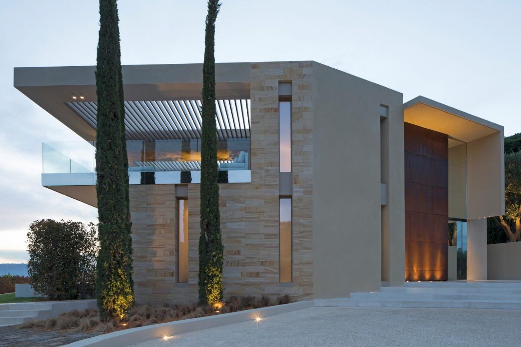 Contemporary and stunning house in Cannes, the French Riviera