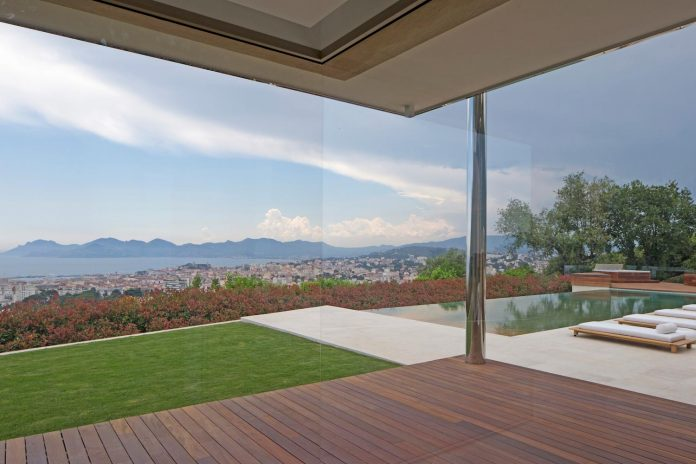 contemporary-stunning-house-cannes-french-riviera-03