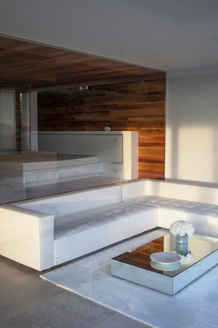 contemporary-stunning-house-cannes-french-riviera-09