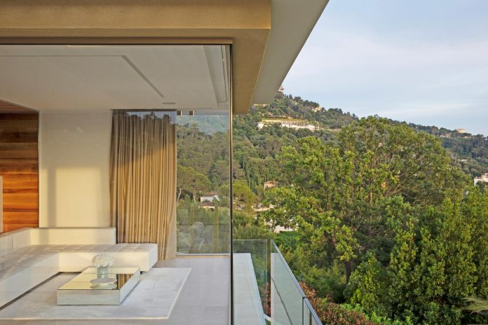 contemporary-stunning-house-cannes-french-riviera-10