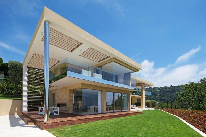 contemporary-stunning-house-cannes-french-riviera-16