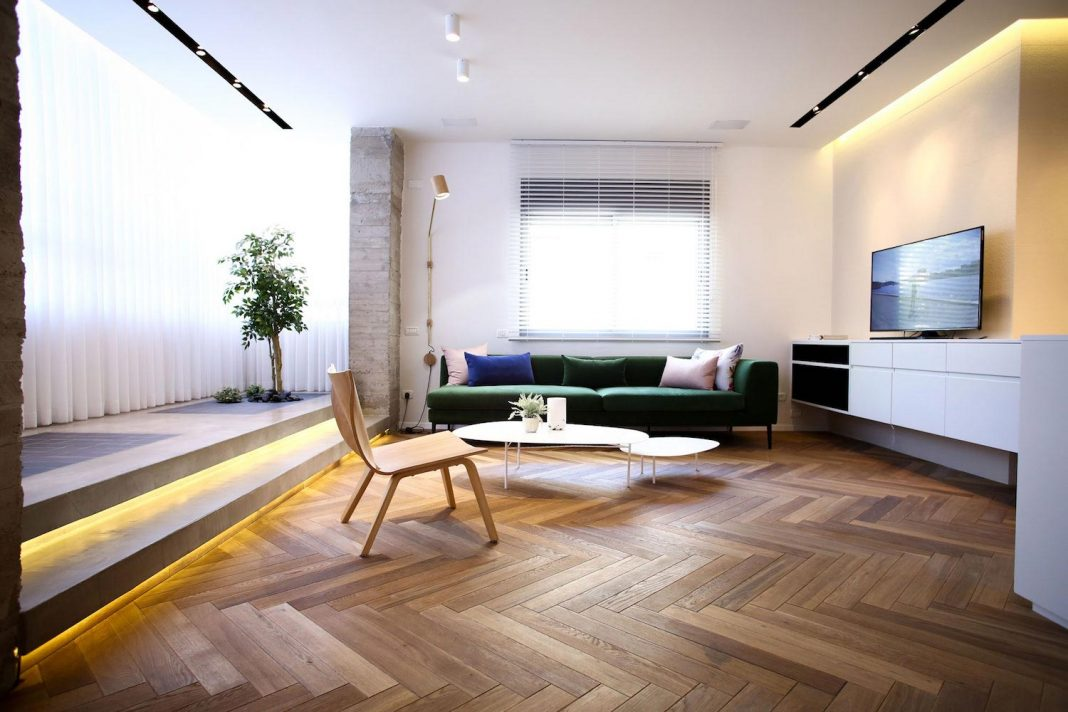 Contemporary Tlv Gordon 8.2 Apartment by Dori Interior Design