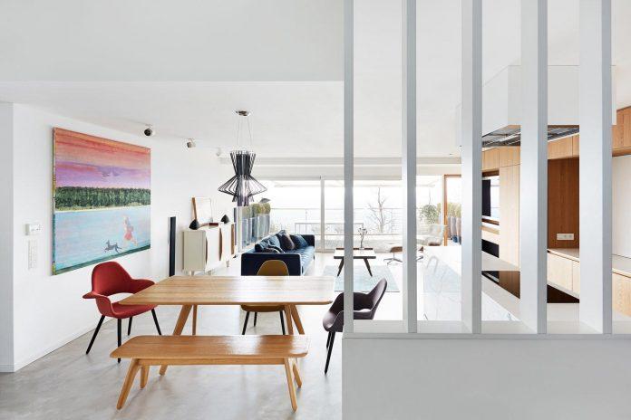 contemporary-triplex-apartment-prague-designed-bright-colours-02