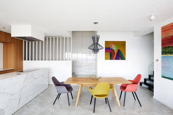 contemporary-triplex-apartment-prague-designed-bright-colours-06