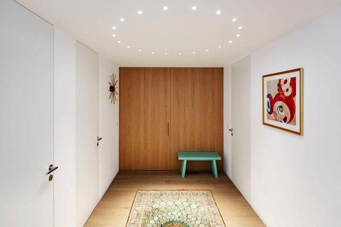 contemporary-triplex-apartment-prague-designed-bright-colours-11