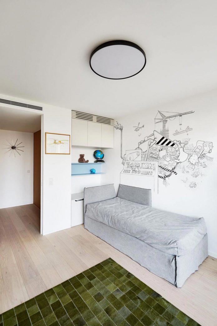 contemporary-triplex-apartment-prague-designed-bright-colours-14