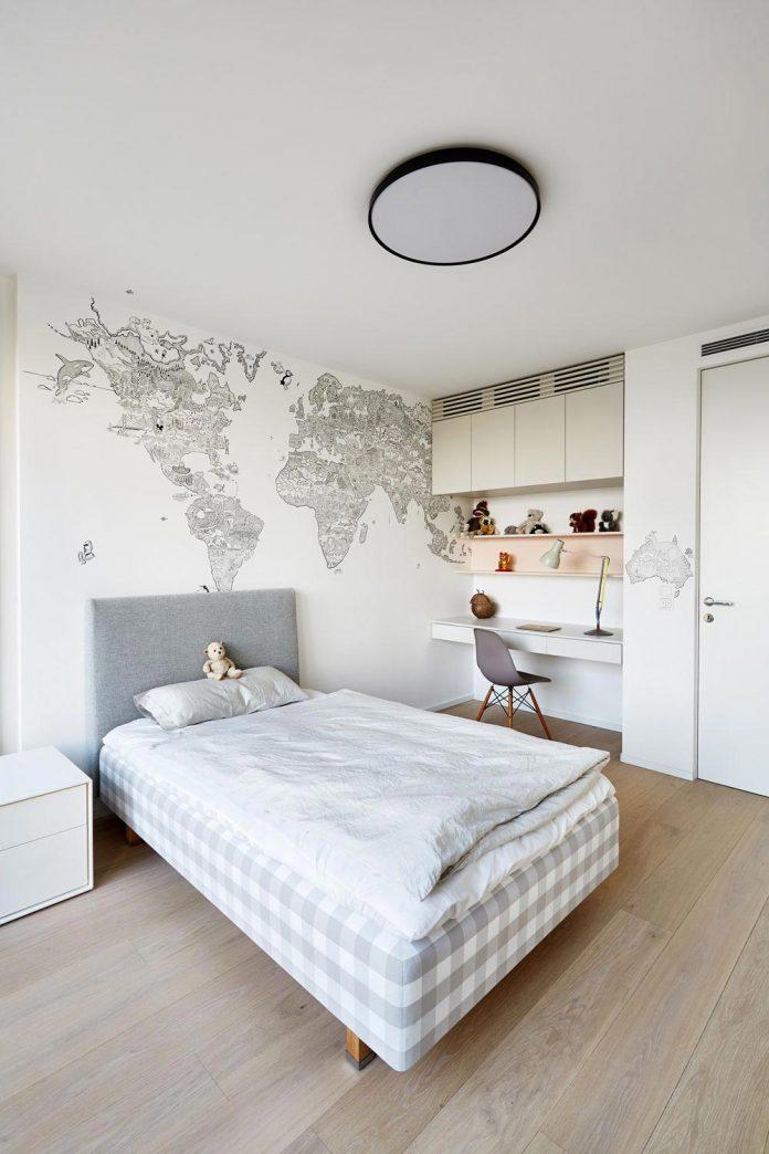 contemporary-triplex-apartment-prague-designed-bright-colours-16