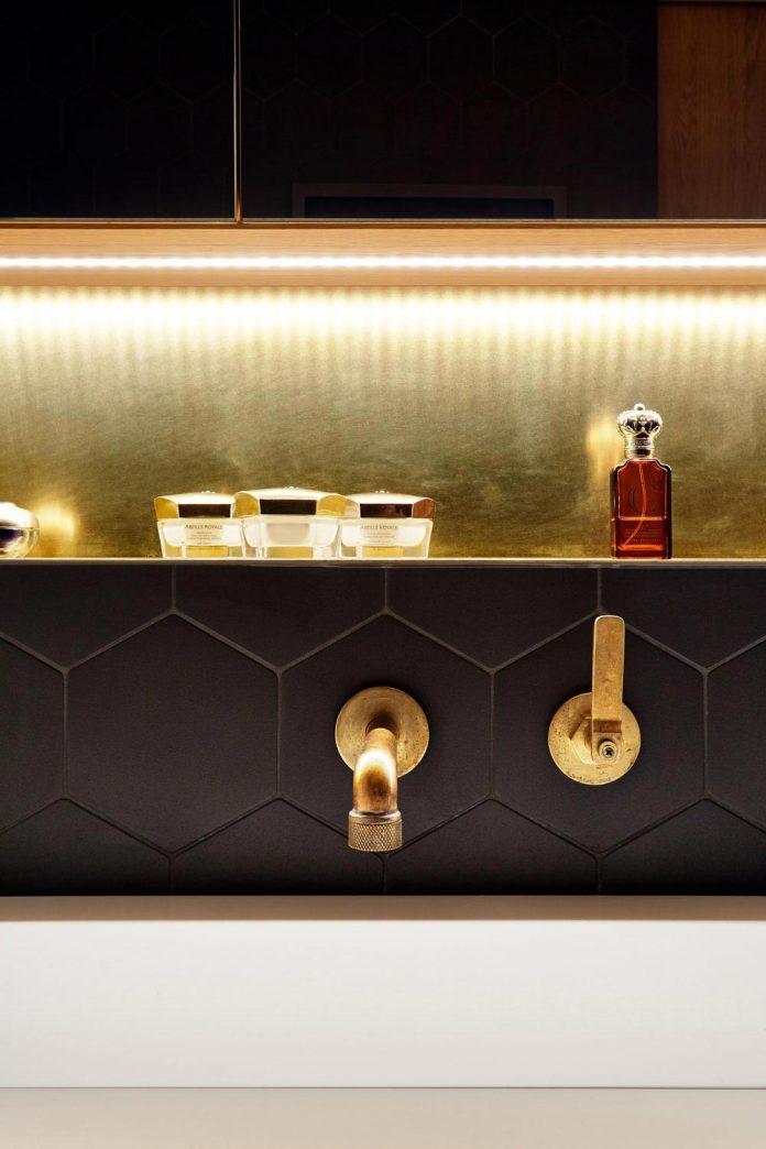 contemporary-triplex-apartment-prague-designed-bright-colours-20
