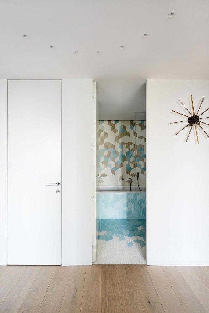 contemporary-triplex-apartment-prague-designed-bright-colours-25