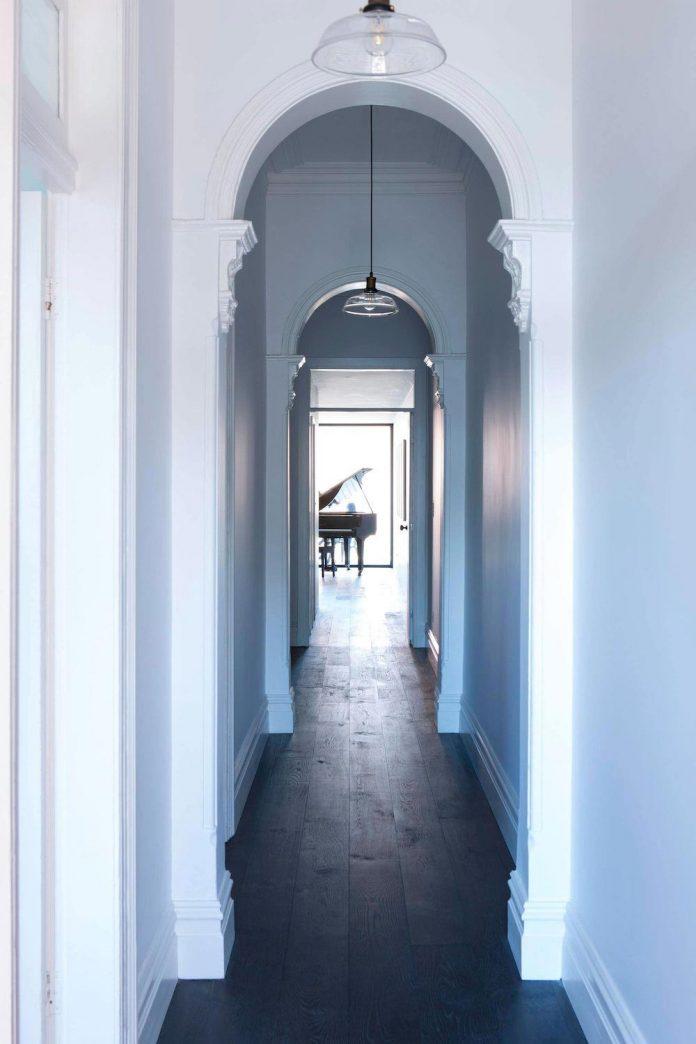 derelict-marrickville-cottage-now-contrasting-tones-light-dark-house-two-musicians-03