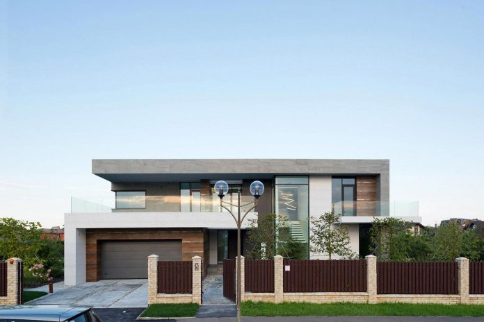 elegant-contemporary-country-house-suburbs-pestovo-russia-02