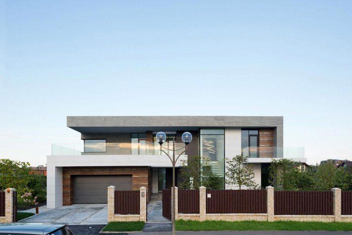 elegant-contemporary-country-house-suburbs-pestovo-russia-02