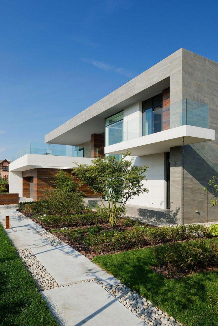 elegant-contemporary-country-house-suburbs-pestovo-russia-03