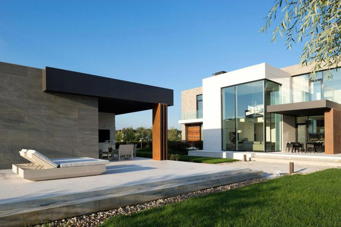 elegant-contemporary-country-house-suburbs-pestovo-russia-10