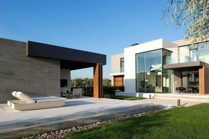 elegant-contemporary-country-house-suburbs-pestovo-russia-10