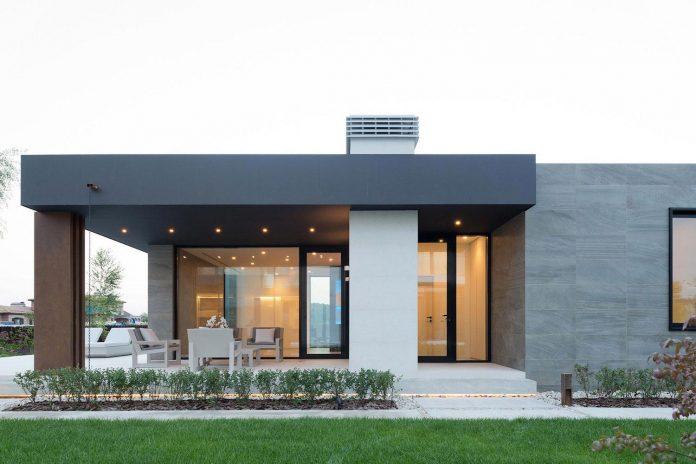 elegant-contemporary-country-house-suburbs-pestovo-russia-12
