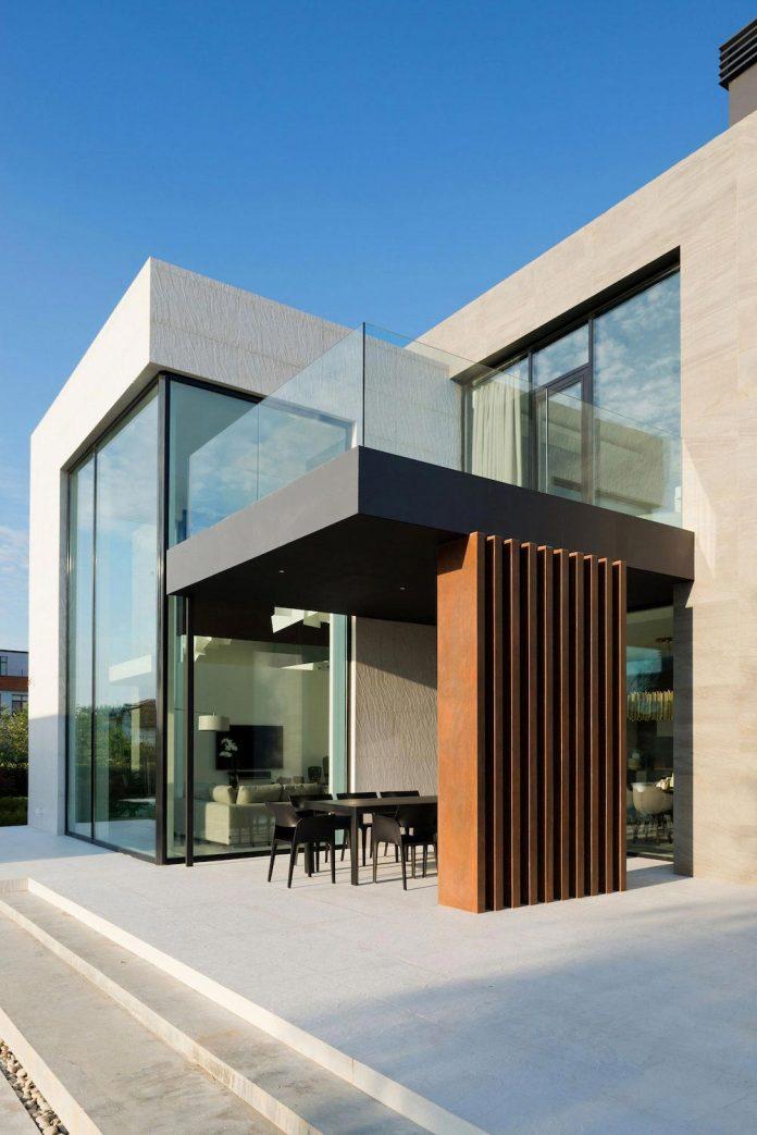 elegant-contemporary-country-house-suburbs-pestovo-russia-17