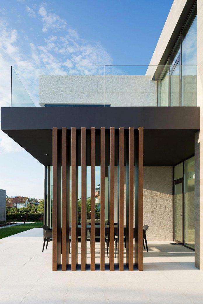 elegant-contemporary-country-house-suburbs-pestovo-russia-18