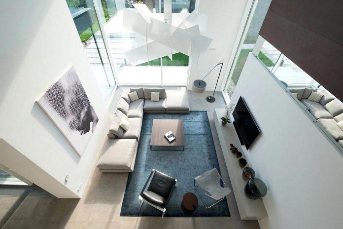 elegant-contemporary-country-house-suburbs-pestovo-russia-23