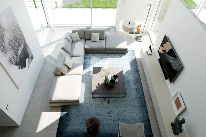 elegant-contemporary-country-house-suburbs-pestovo-russia-24