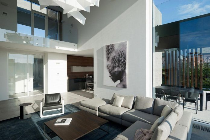 elegant-contemporary-country-house-suburbs-pestovo-russia-25