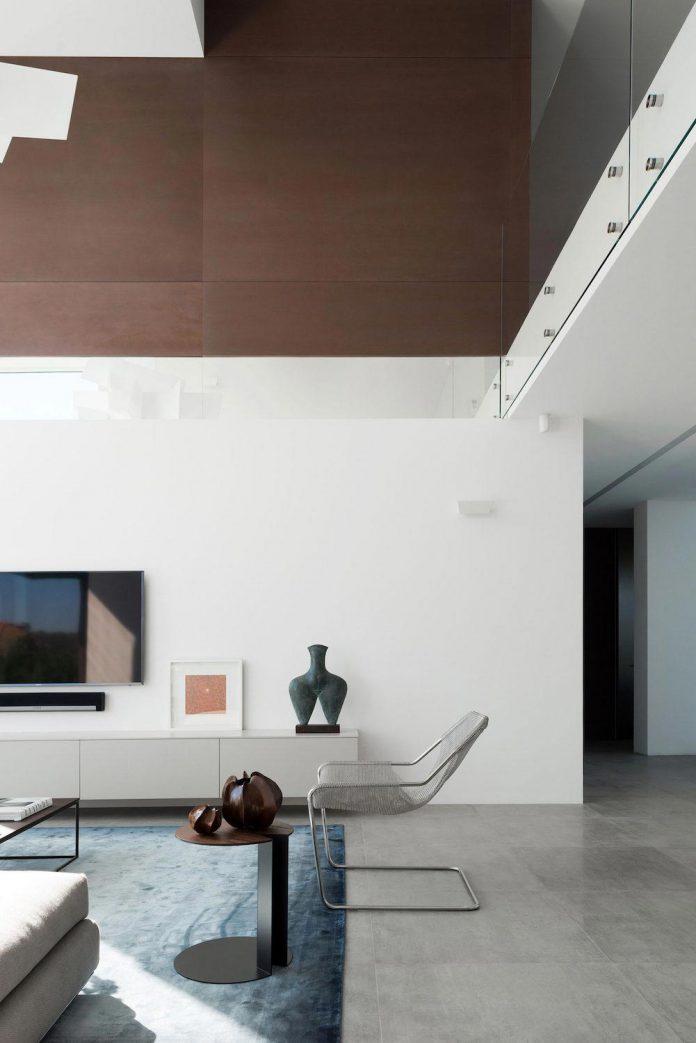 elegant-contemporary-country-house-suburbs-pestovo-russia-26