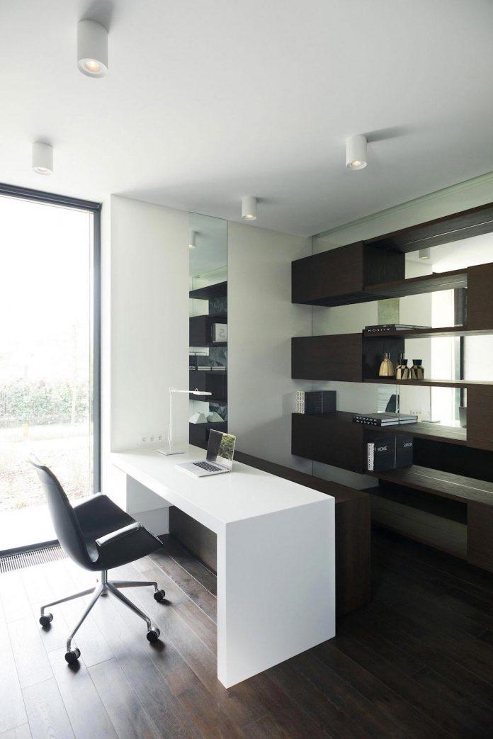 elegant-contemporary-country-house-suburbs-pestovo-russia-38