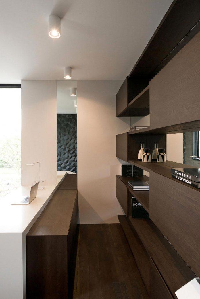 elegant-contemporary-country-house-suburbs-pestovo-russia-39