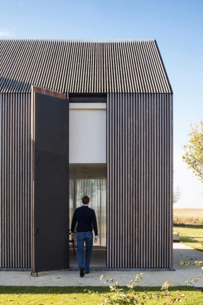 farmhouse-transformation-elegant-residence-north-belgium-01