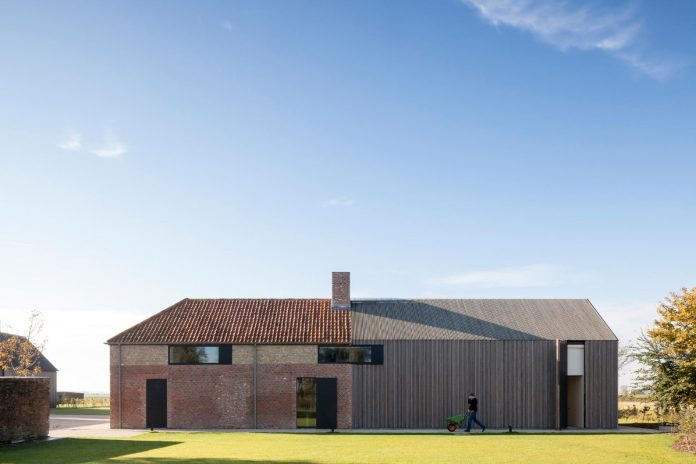 farmhouse-transformation-elegant-residence-north-belgium-02