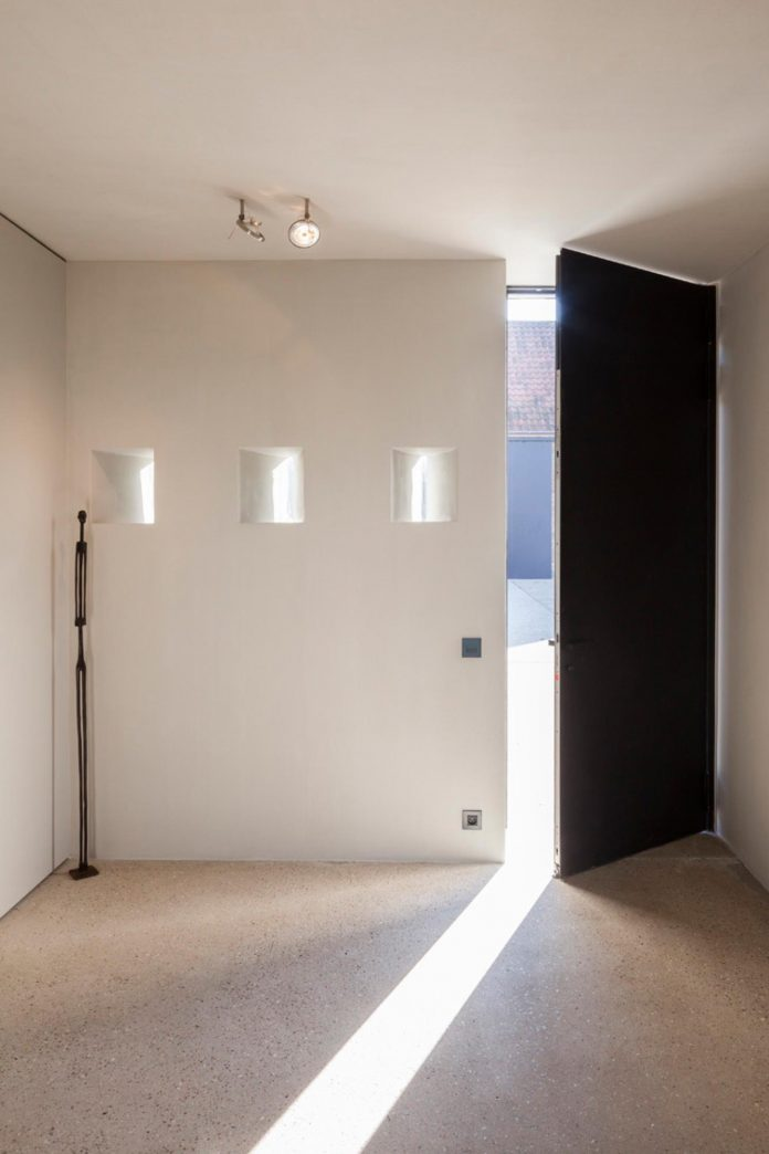 farmhouse-transformation-elegant-residence-north-belgium-03
