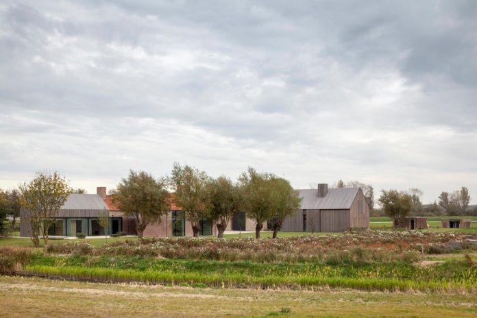 farmhouse-transformation-elegant-residence-north-belgium-21
