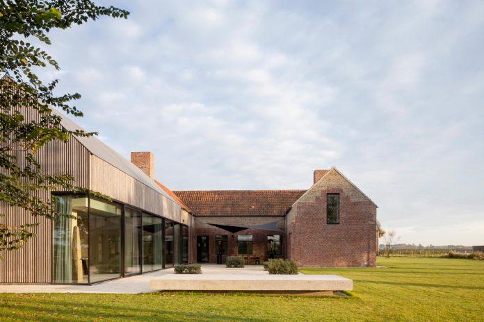 farmhouse-transformation-elegant-residence-north-belgium-25