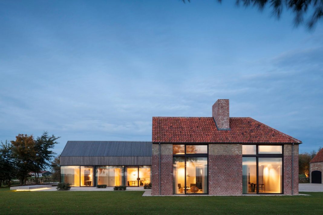 Farmhouse transformation into an elegant residence in the north of Belgium