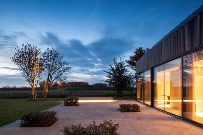 farmhouse-transformation-elegant-residence-north-belgium-32