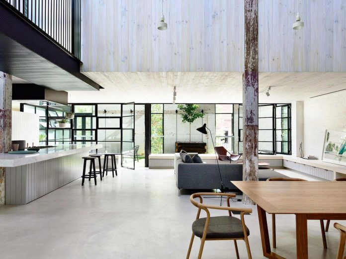 former-gritty-brick-warehouse-old-industrial-fitzroy-gets-modern-renovation-01