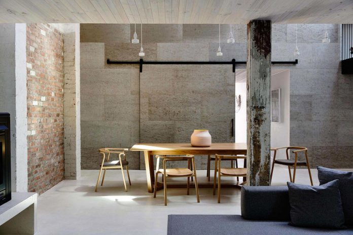 former-gritty-brick-warehouse-old-industrial-fitzroy-gets-modern-renovation-10